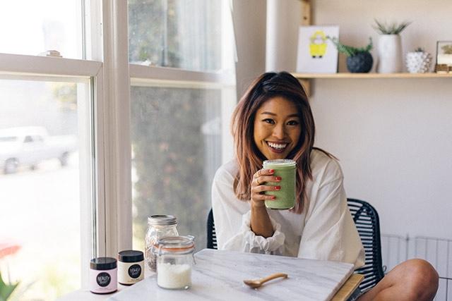 Bi quyet dep tu ben trong cua mot beauty blogger 'khong tuoi'
