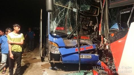 Lại xảy ra tai nạn xe đấu đầu nhau ở Quảng Nam