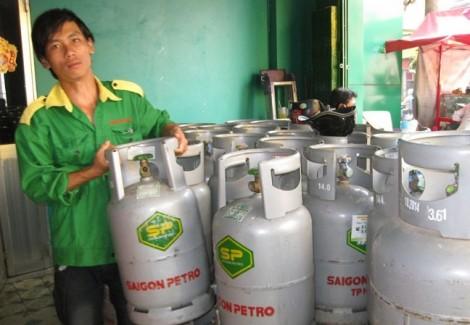 Từ ngày 1/8, giá gas bán lẻ 'nhảy thêm' 11.000 đồng/bình 12 kg