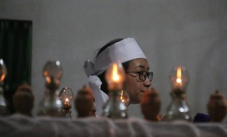 Nhói lòng cảnh khăn tang trắng thôn Lương Điền