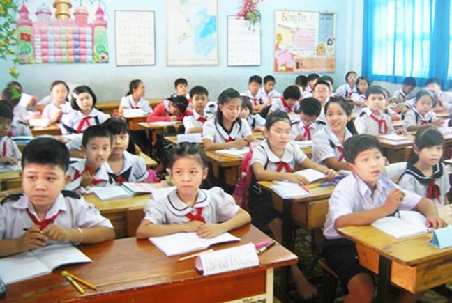 TP.HCM: Hoc sinh lop Mot tang vot, lo chat luong thut lui