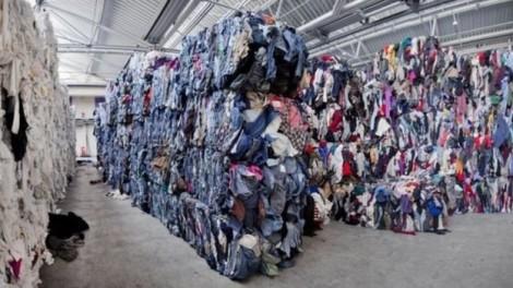 Tác hại khủng khiếp của thời trang nhanh đến môi trường