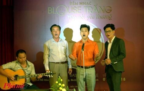 Các bác sĩ hát ở giảng đường, tạo quỹ giúp sinh viên nghèo trường Y