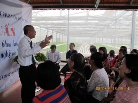 Hỗ trợ kiến thức ứng dụng khoa học kỹ thuật, nông nghiệp công nghệ cao cho cán bộ, hội viên