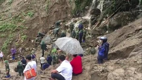Tang thương những gia đình mất con trong vụ sạt lở đất ở Vàng Ma Chải