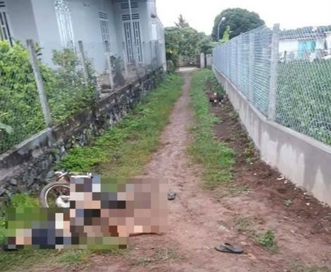 Hai thanh niên tử vong cạnh xe máy bên đường