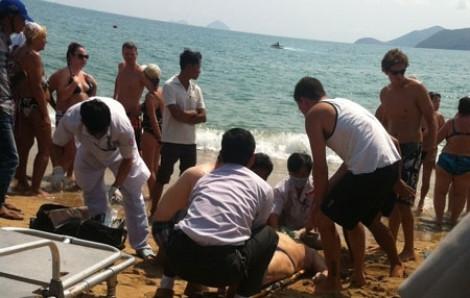 3 du khách Phú Thọ bị nước cuốn trôi khi tắm biển Nghệ An