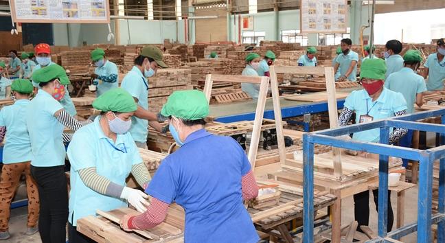 Thu tuong lan dau doi thoai cung doanh nghiep nganh go