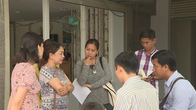Cu dan Carina thanh 'con tin' sau khi Cong ty Hung Thanh thong bao ngung ho tro?