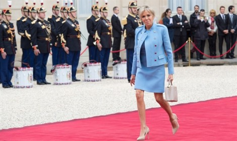 Vì sao bà Brigitte Macron là đệ nhất phu nhân được người Pháp ưng nhất