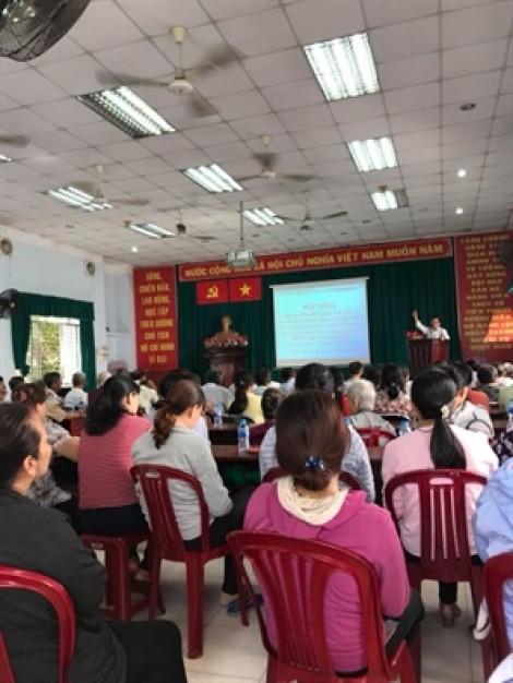 Huyện Hóc Môn: Hơn 100 phụ nữ tham gia Ngày phụ nữ và Pháp luật