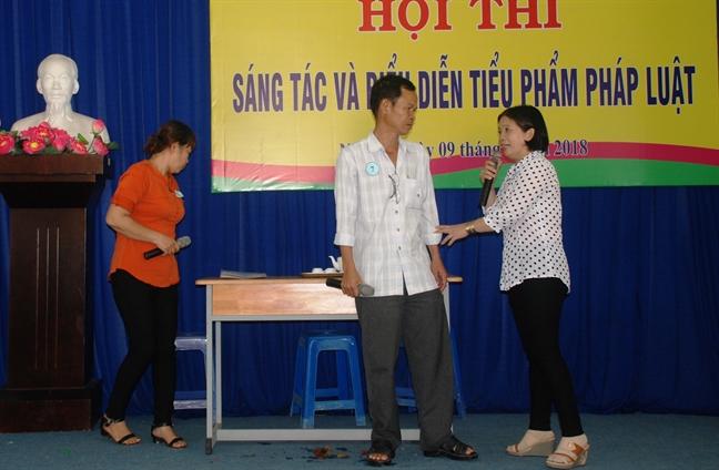 Nha Be: Thi sang tac, bieu dien tieu pham phap luat
