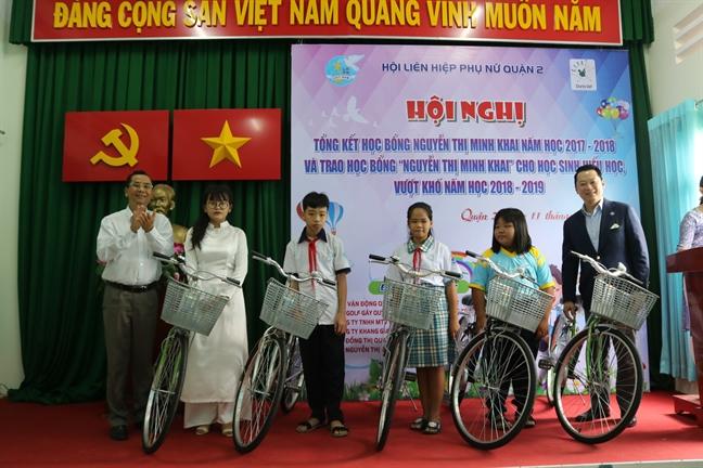 Quan 2: Tang 150 suat hoc bong Nguyen Thi Minh Khai nam hoc 2018-2019