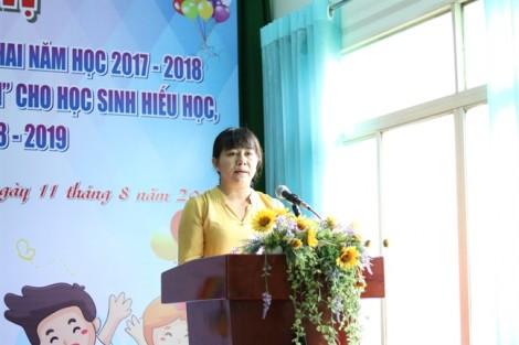 Quận 2: Tặng 150 suất học bổng Nguyễn Thị Minh Khai năm học 2018-2019