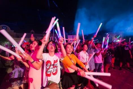Show 'Lửa mùa hè - Boney M' tại Vinpearl Nha Trang: Hóa ra bố tôi đã từng 'quẩy' như thế