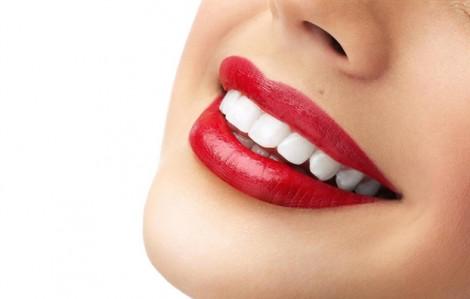 Mẹo giúp răng ố vàng trắng đẹp với thao tác cực đơn giản