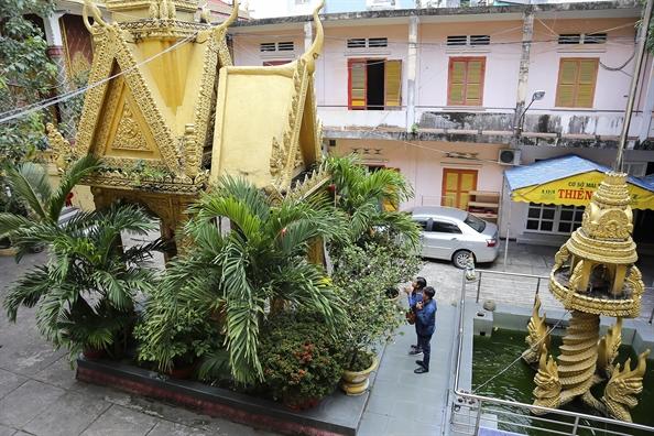 Ngoi chua mang kien truc Khmer doc dao giua long Sai Gon