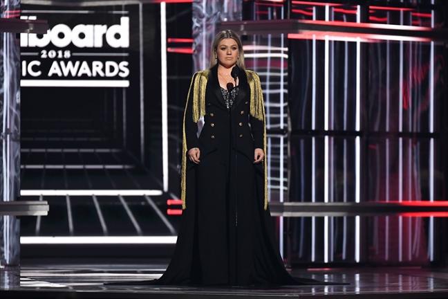 Kelly Clarkson: Khi con den, me tu tin va manh me hon bao gio het