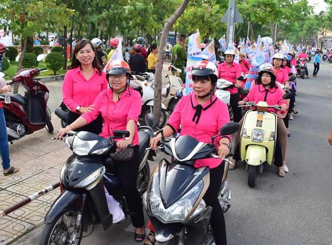 Quan Binh Thanh: Ngay hoi toan dan bao ve an ninh To quoc