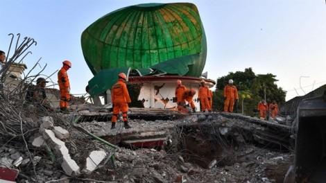 Indonesia lại rung chuyển vì động đất mạnh