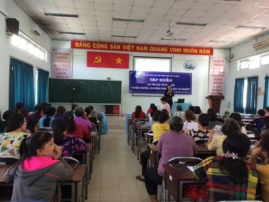 Huyen Hoc Mon: Tap huan cong tac tuyen truyen, van dong phan loai rac tai nguon