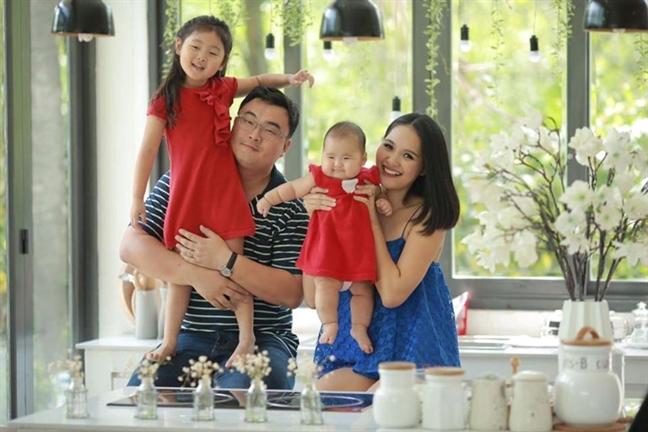 Hoa hau Huong Giang: 'Toi day con ky luat va trach nhiem'