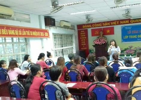 Huyện Bình Chánh: Khai giảng lớp trang điểm dạ hội