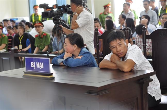 Lanh nguoi voi loi khai cua nguoi vo phan xac chong o Binh Duong