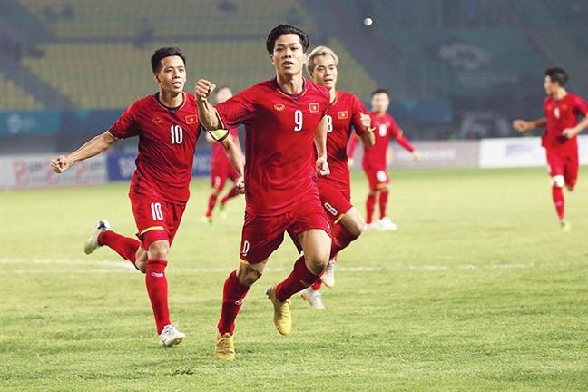 Cong Phuong cong pha, Olympic Viet Nam lan dau vao tu ket ASIAD