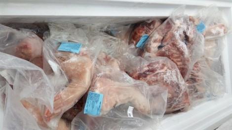 Phát hiện 120 kg thịt heo 'quá đát' ở quận 7