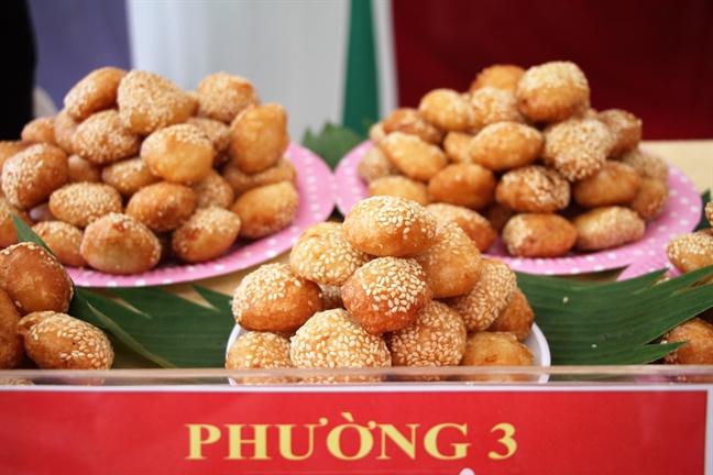 Quan Tan Binh: Giao luu van nghe - am thuc voi sinh vien Lao, Campuchia