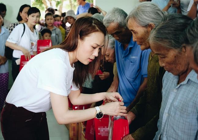 My Tam tang 400 phan qua tu thien nhan le Vu Lan