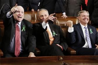 Chính trường Mỹ bày tỏ lòng thương tiếc sự ra đi của Thượng Nghị sĩ John McCain