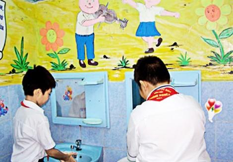 Giáo dục lối sống văn minh từ nhà vệ sinh