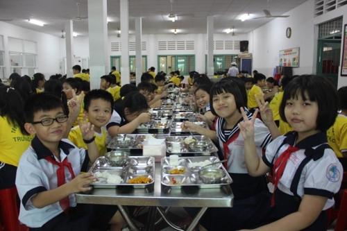 TPHCM: Truong hoc huong den viec lay nguon thuc pham dat chuan theo quy dinh