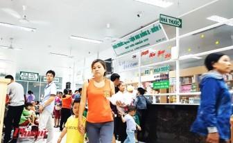 Bỏ quy định bố mẹ phải có chứng minh nhân dân khi đi khám bệnh cho con