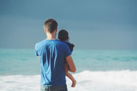 Có nên trở lại với chồng cũ từng đánh đập vợ con mỗi khi say xỉn?