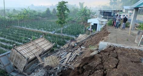 Động đất 6,4 độ richter ngoài khơi Indonesia