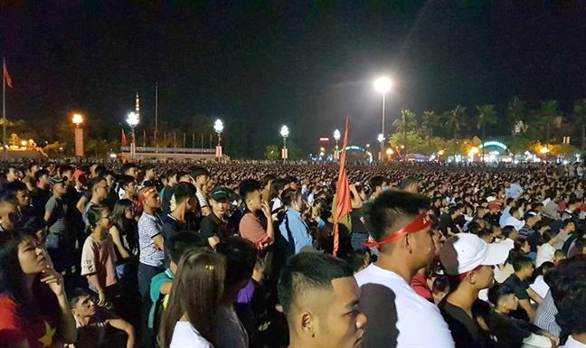 Lang que cua Cong Phuong, Bui Tien Dung soi suc truoc gio Olympic Viet Nam vao tran