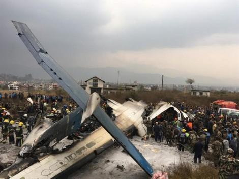 Vụ rơi máy bay Nepal khiến 51 người chết: Cơ trưởng khóc suốt chuyến bay