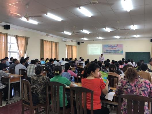 Huyen Nha Be: Tap huan nghiep vu quan ly nguon von Ngan hang Chinh sach - Xa hoi