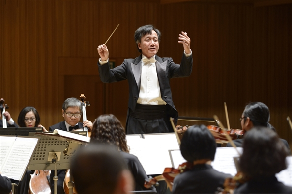 Pianist quoc te Nguyen Van Anh ve nuoc tham gia hoa nhac