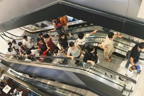 Nghỉ lễ 2/9, người dân Sài Gòn kéo nhau vào siêu thị, khu vui chơi giải trí