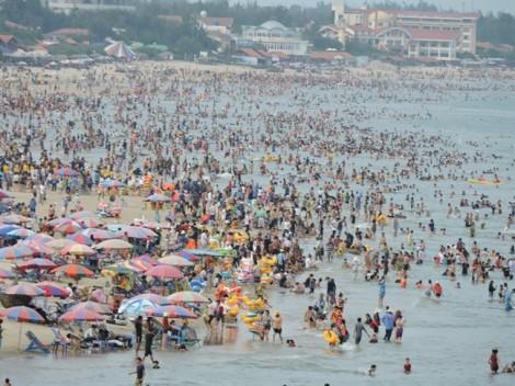 Đi tắm biển Vũng Tàu, 30 trẻ em bị lạc