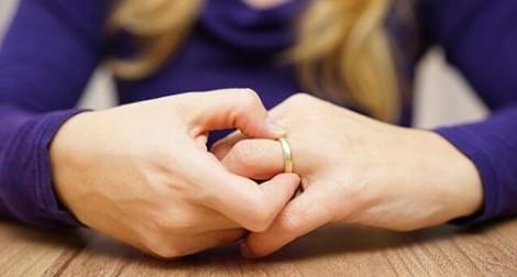 Nhà đất chưa có chủ quyền hợp lệ thì phân chia tài sản thế nào sau ly hôn?