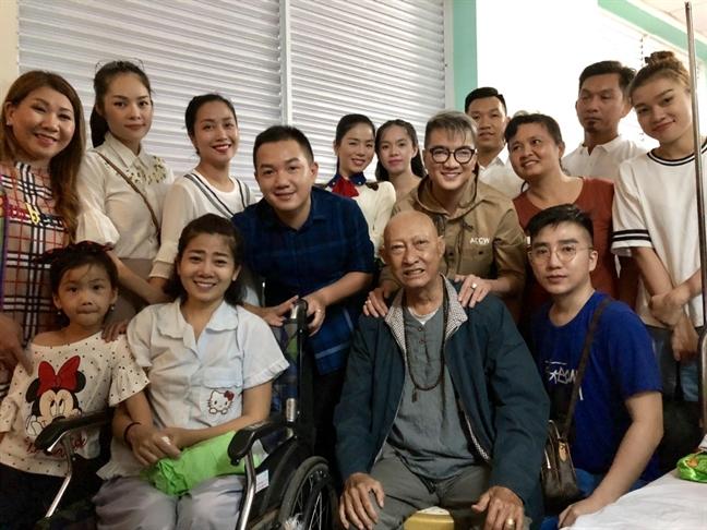 Phung Ngoc Huy tham gia dem nhac gay quy giup Mai Phuong va Le Binh