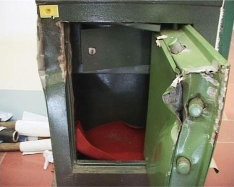 Về quê nghỉ lễ 2/9, bị trộm phá két sắt lấy hơn 450 triệu đồng