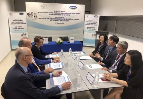 Vinamilk – Bệnh viện Chợ Rẫy ký kết hợp tác chiến lược nâng tầm quốc tế