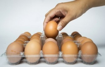Rách ruột vì nhét 15 quả trứng luộc vào hậu môn