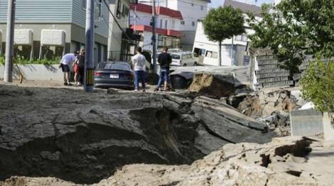 Chỉ trong 3 ngày, Nhật Bản bị 3 thiên tai tàn phá nặng nề